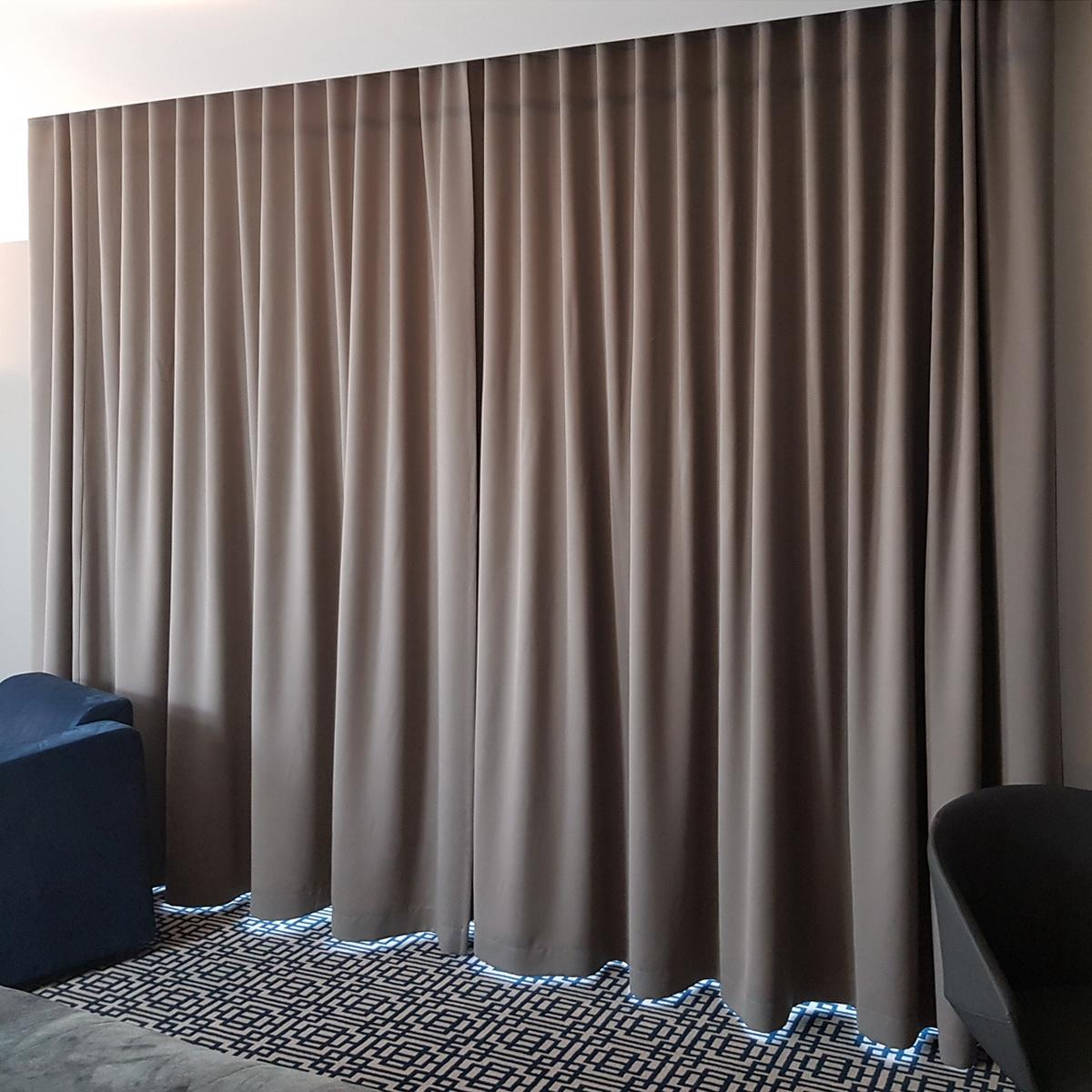 Mag 334 Zasłona Hotelowa Blackout Na Fali W Rozm 300x250 Cm